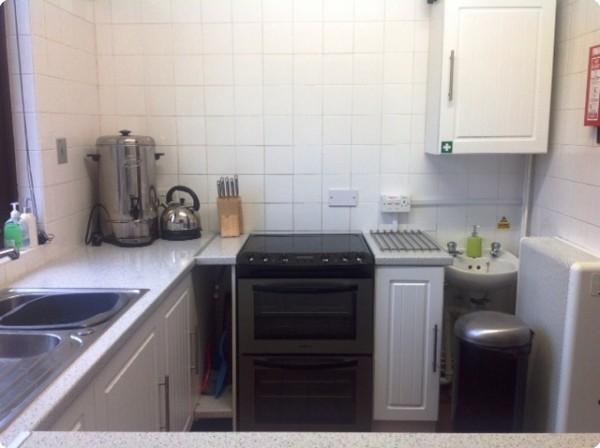 Kitchen1-20-600-450-100-rd-255-255-255